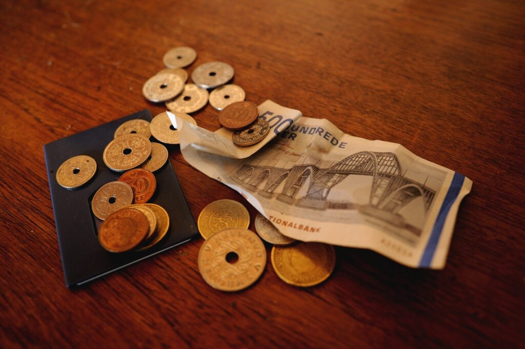 Opsparing fremvist i danske kroner, heribllandt mønter og sedler